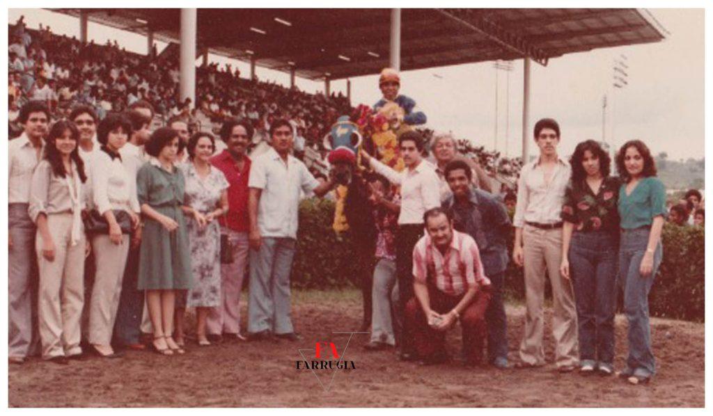 La Familia Paredes en pleno,Salomon Malca, Nell Prado, Andres Farrugia
